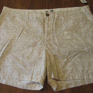 "Old Navy 16 Shorts White w/ Print 5"" Inseam NWT"